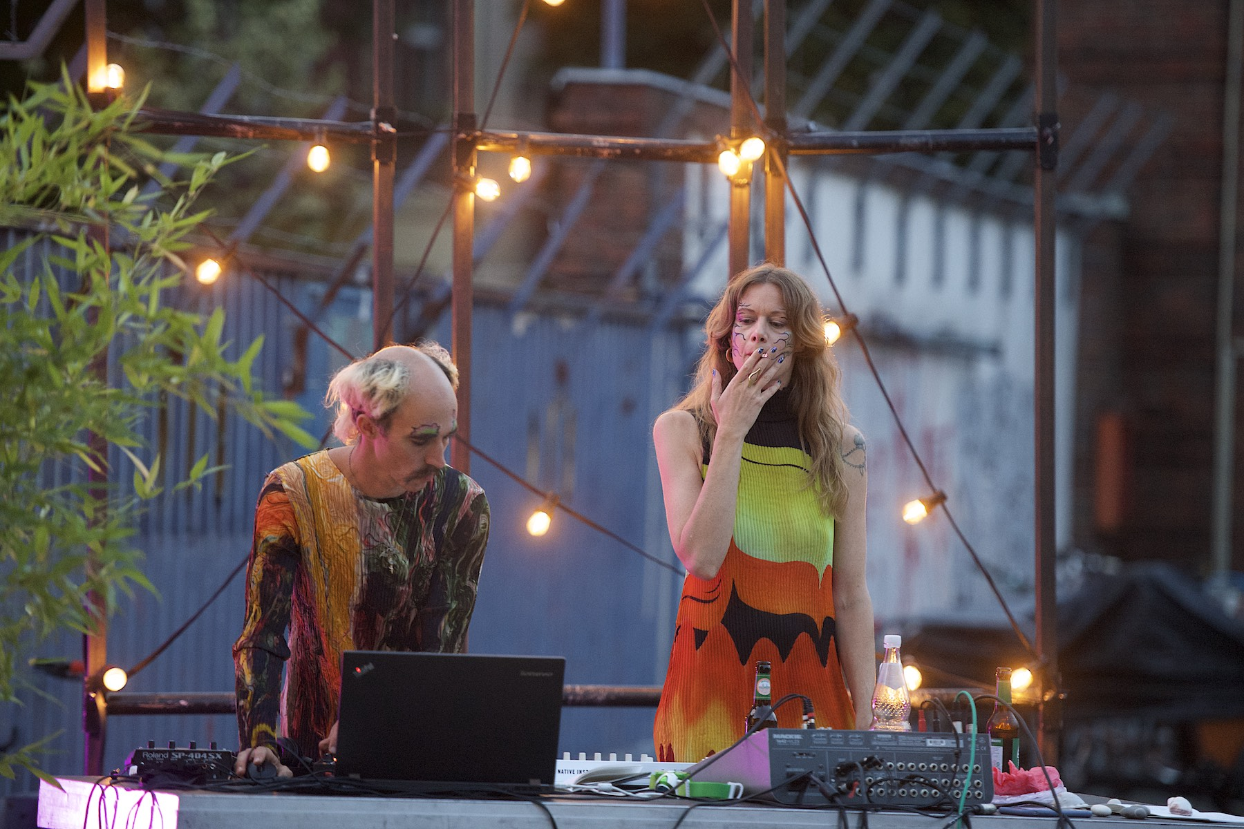 DJs am Mischpult