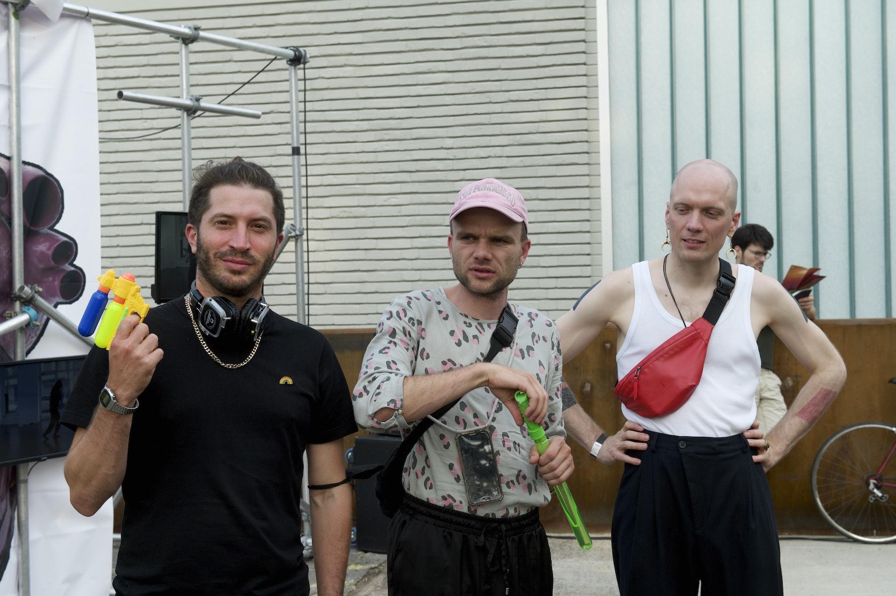 Portrait von drei Menschen